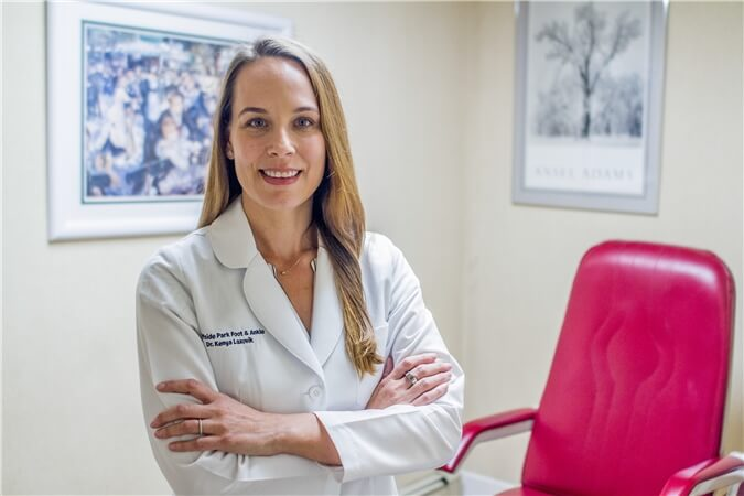 Dr Kenya Lazovik - Podiatrist