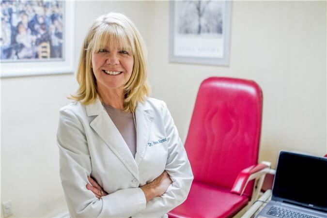 Dr Helene Manno Podiatrist